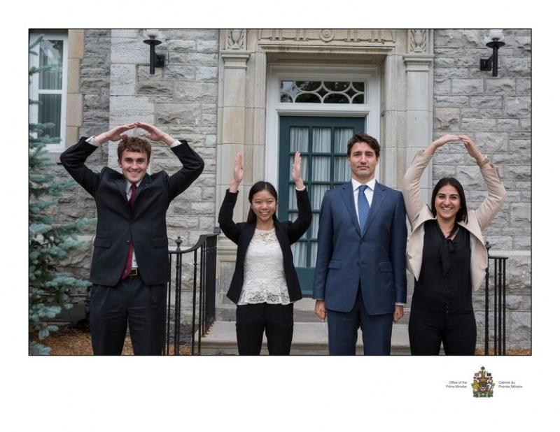 Ohio State students with Justin Trudeau