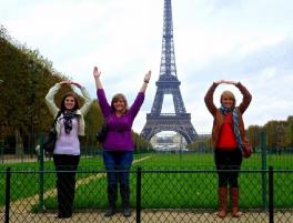 Photo of Ohio State students in Paris